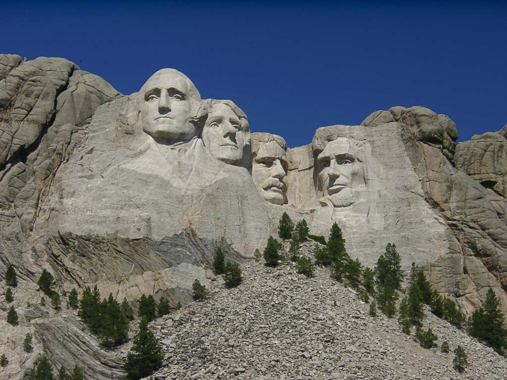 How pissed is Teddy Roosevelt that he has to stare at Lincoln's nose all damn day? #shafted